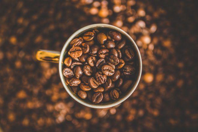 как правильно говорить молоть или мелить кофе